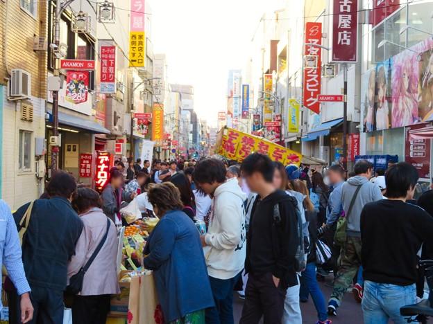 毎月恒例の「赤門28祭り」で賑わってた大須商店街