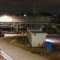 桃花台線の桃花台中央公園南側高架撤去工事(2018年11月5日):撤去予定の高架に足場の設置開始 - 2