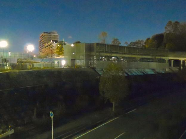 桃花台線の桃花台中央公園南側高架撤去工事(2018年11月6日) - 1
