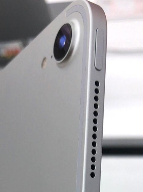 新型iPad Pro 11インチ - 4:背面カメラの出っ張り部分