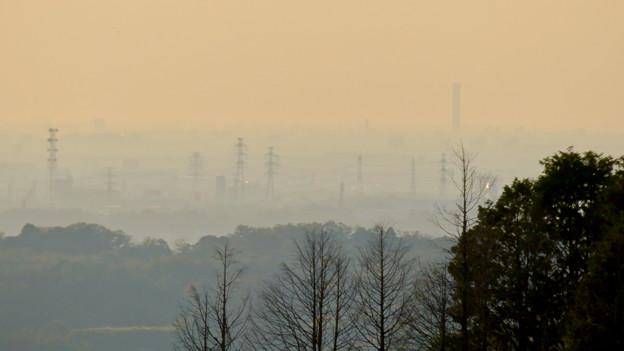 定光寺展望台から見た景色 - 11:三菱電機稲沢製作所のエレベーター試験棟