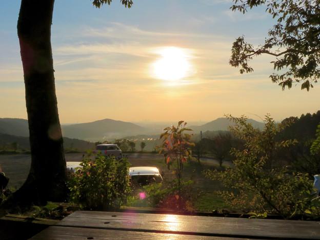 秋の定光寺 No - 24:展望台から見えた夕焼け