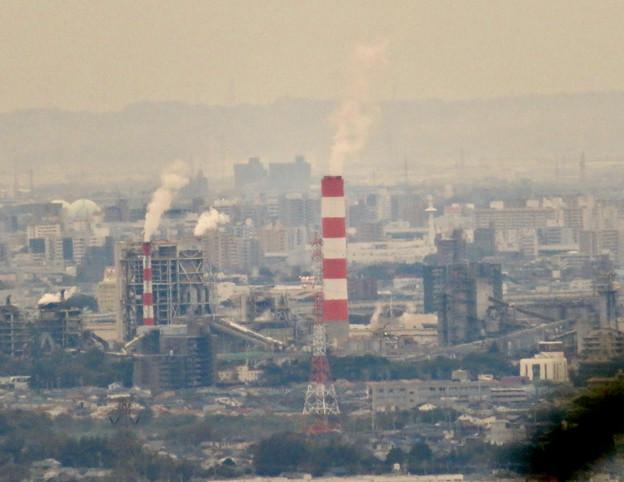 定光寺展望台から見た景色:王子製紙の工場