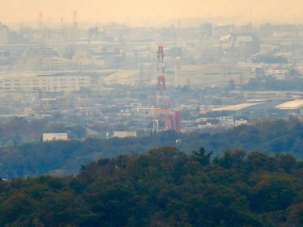 定光寺展望台から見た景色:落合公園水の塔 - 3