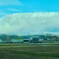 Photos: あの雲の下で雪降ってるのかな?と思った、名鉄小牧線車内から見えた分厚い雪 - 2