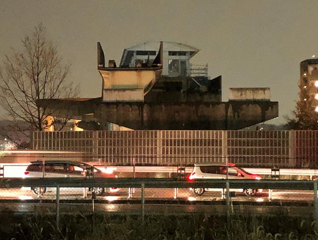 桃花台線の桃花台東駅周辺撤去工事(2018年12月11日):片側高架が下ろされる - 2
