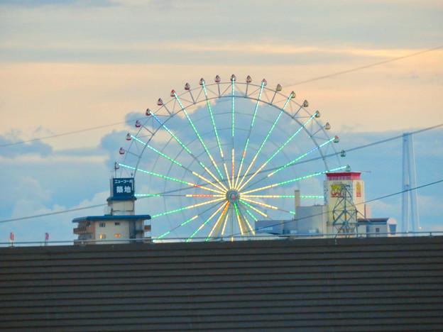 ららぽーと名古屋みなとアクルス駐車場から見た景色 - 2:シートレインランドの大観覧車