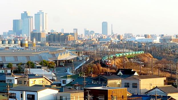 清洲城天守閣から見た景色(東海道本線と名駅ビル群)