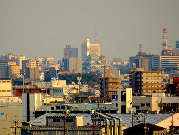 清洲城天守閣から見た景色:名古屋城と名古屋市役所 - 1