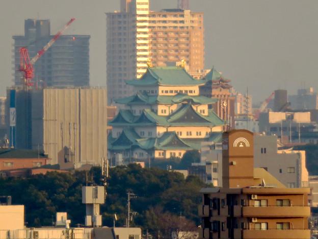 清洲城天守閣から見た景色:名古屋城と名古屋市役所 - 2