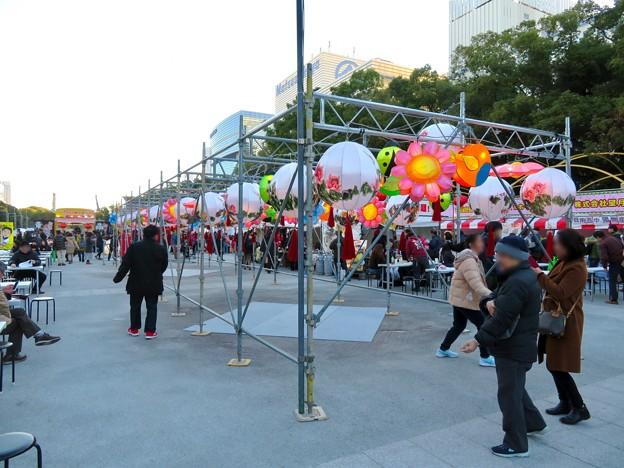 名古屋中国春節祭 2019(昼間)No - 11:カラフルで色んな形をしてた提灯