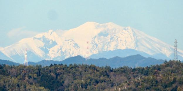 花フェスタ記念公園:花のタワーの展望階から見た景色 - 20(雪を頂く御嶽山と乗鞍岳)