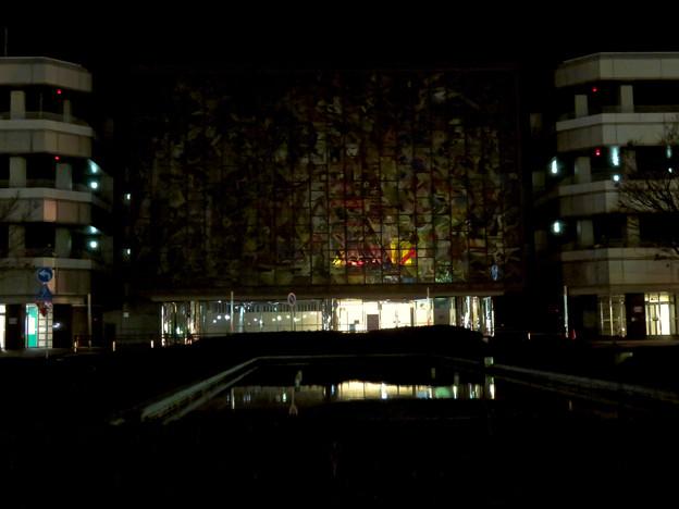 昨日閉店し灯りの消えたザ・モール春日井のステンドグラス - 7