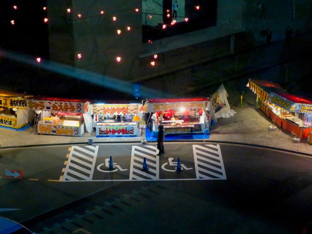 名古屋市公会堂から見下ろした鶴舞公園花まつりの屋台 - 2