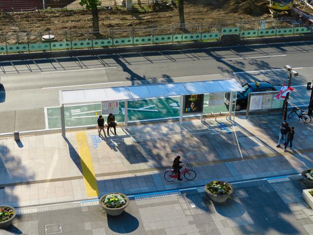 新たに整備されたオアシス21前のバス停 - 2