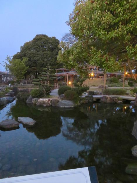 シーズンオフの曼陀羅寺公園 - 16:放生池