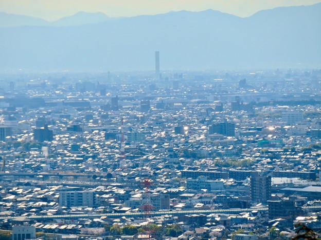 尾張戸神社の展望台から見た景色 - 14:三菱電機稲沢製作所のエレベータ試験棟