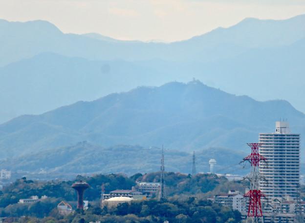 尾張戸神社の展望台から見た景色 - 20:スカイステージ33越しに見えた岐阜城・金華山