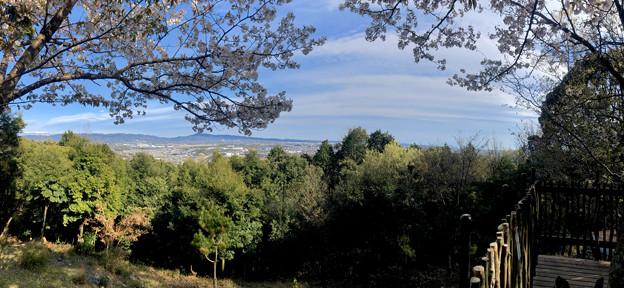 尾張戸神社の展望デッキから見た瀬戸方面の景色 - 5:パノラマ