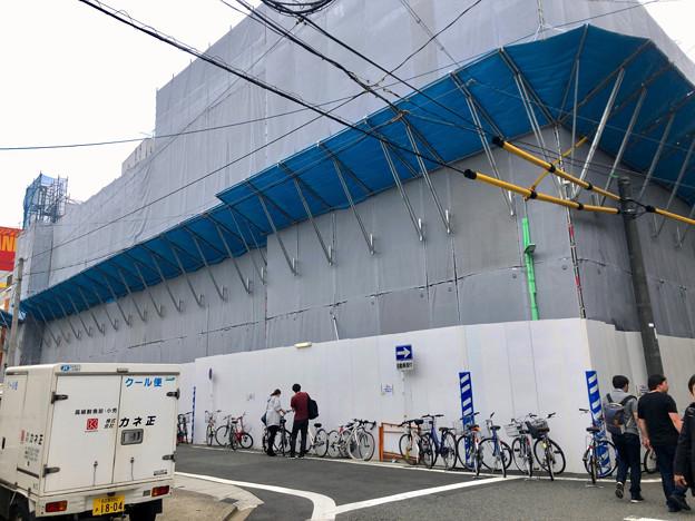 Photos: 中公設市場跡地に建設中の建物(2019年4月21日) - 3