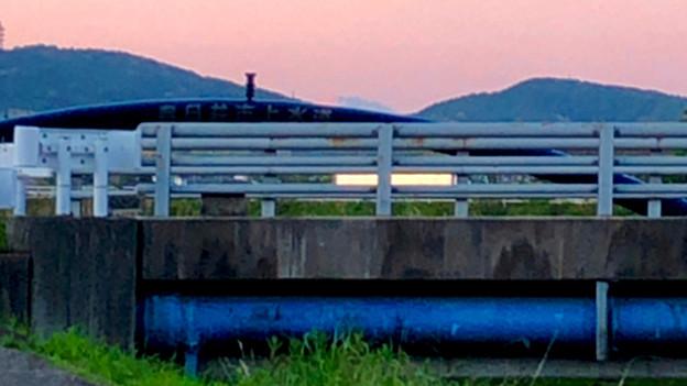 八田川沿いから見えた、たぶん御嶽山 - 3