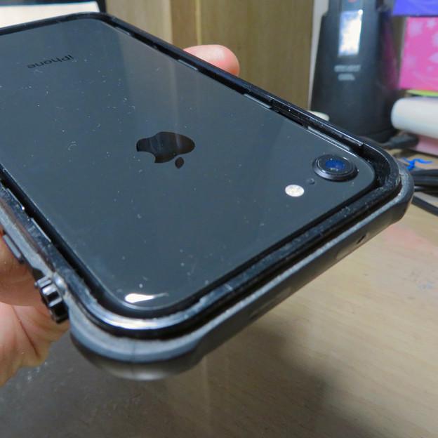 KYOKAのiPhone 7&8用の格安防水・耐衝撃ケース No - 33:iPhone挿入時