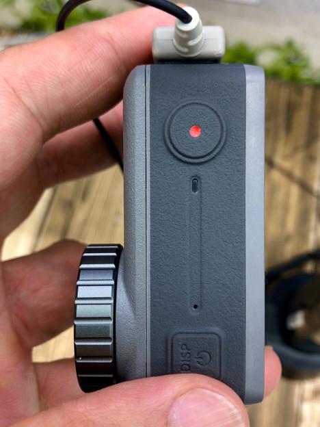 DJI Osmo Action No - 10:上部の電源ボタンとシャッターボタン