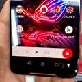 Photos: メモリ8GBでやたら動きがキビキビしてたASUSのゲーミングスマホ「ROG Phone」 - 6:メディアプレーヤー操作機能?