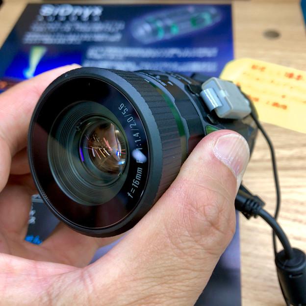 ヨドバシで展示されてた高感度防水カメラ、SiOnx「AURORA」 - 2