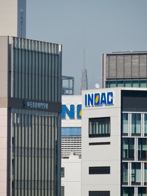 グローバルゲート最上階から頭頂部だけ見えた名古屋テレビ塔 - 1