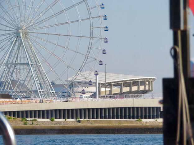 クルーズ名古屋(2019年5月)No - 131:中川口通船門から見たシートレイランドの観覧車と名古屋港水族館