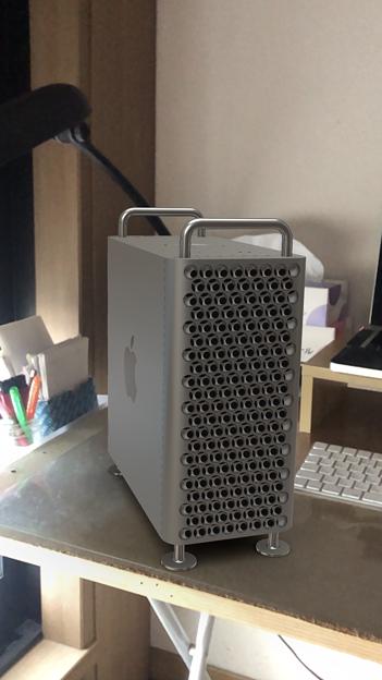 次期Mac Pro公式ページの機能でMac ProをiPhoneでAR表示 - 3