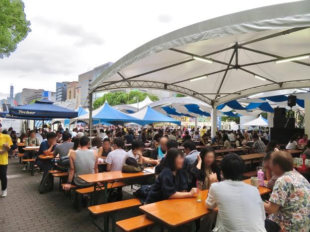 ビール日和の最終日、大勢の人で賑わってた「名古屋オクトーバーフェスト 2019」 - 1