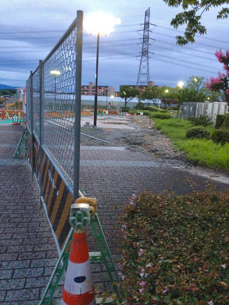 Photos: 桃花台線の桃花台中央公園南側撤去工事(2019年7月26日):より良くしようとしない愛知県が不便な歩道を復元 - 3