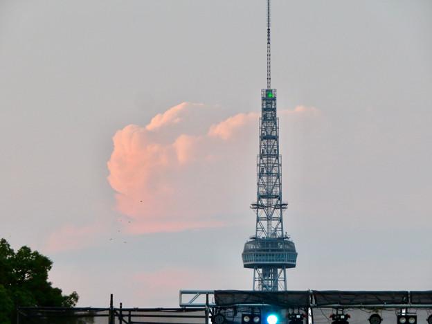 印象的だった名古屋テレビ塔越しに見えた夕暮れ時の雲 - 1