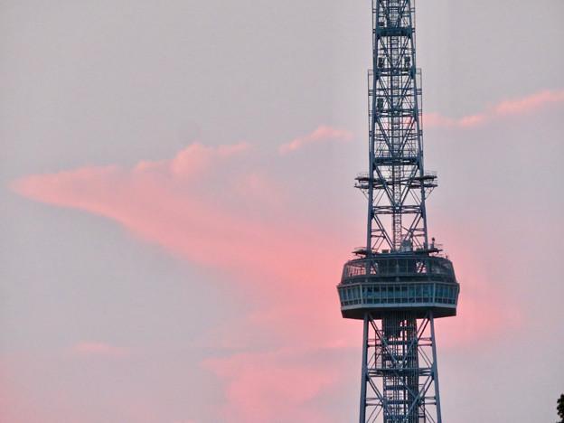印象的だった名古屋テレビ塔越しに見えた夕暮れ時の雲 - 3