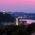 犬山成田山から見た夜景 - 2:夕暮れ時の犬山城