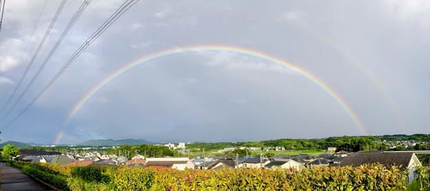 2重の虹が架かった、雨上がりの日(2019年8月14日) - 10:パノラマ