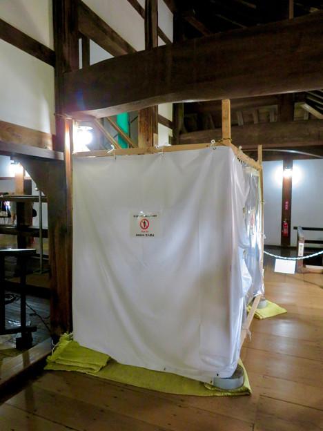 天守保蔵工事中の犬山城(2019年8月18日) - 14:封鎖された天守閣への階段