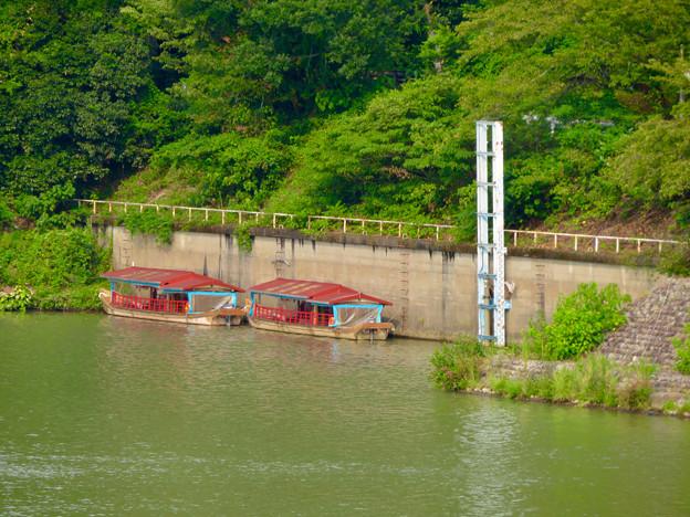 犬山城の真下に停泊していた屋形船