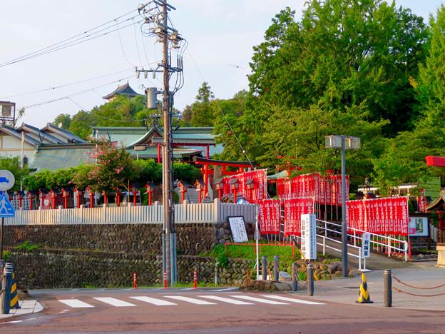三光稲荷神社前から見えた犬山城天守閣
