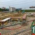 Photos: 桃花台線の桃花台中央公園撤去工事(2019年8月23日):工事部分のフェンスが大部分撤去 - 2:新たなベンチの設置