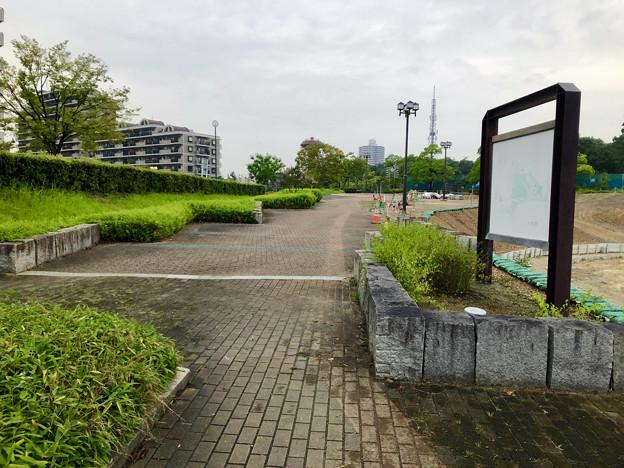 桃花台線の桃花台中央公園撤去工事(2019年8月23日):工事部分のフェンスが大部分撤去 - 10