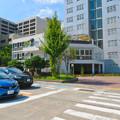 Photos: 桜通久屋西交差点にあるこの辺りでは珍しい低階層の建物(レストランとギャラリー?) - 1