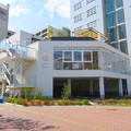 Photos: 桜通久屋西交差点にあるこの辺りでは珍しい低階層の建物(レストランとギャラリー?) - 2