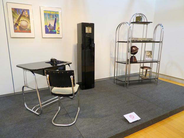 ナディアパーク:ギャラリーで行われてた「Electric Media ラジオの時代」 - 8