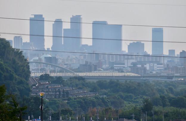 イオン守山店の屋上から見た景色 - 5:名駅ビル群と庄内川橋