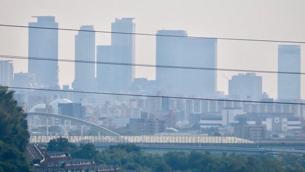 イオン守山店の屋上から見た景色 - 6:名駅ビル群と庄内川橋