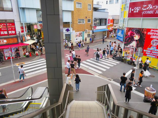 先月オープンしたばかりのマルチナボックス - 12:2階から見た大須商店街