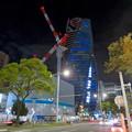 Photos: 巨大クレーンと夜で青く輝くスパイラルタワーズ - 2